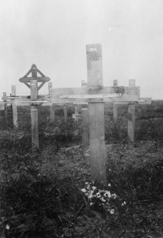 Harry Norton's Grave - Caterpillar Valley